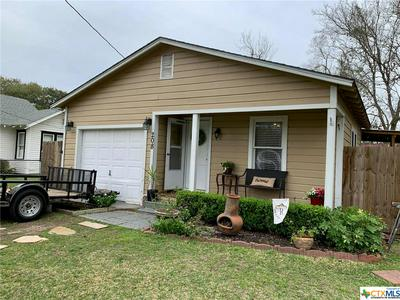 208 S ALLEN ST, Edna, TX 77957 - Photo 1