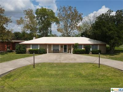 218 E WARD ST, Goliad, TX 77963 - Photo 1