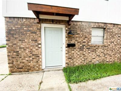 1905 N BEN WILSON ST APT 10, Victoria, TX 77901 - Photo 2