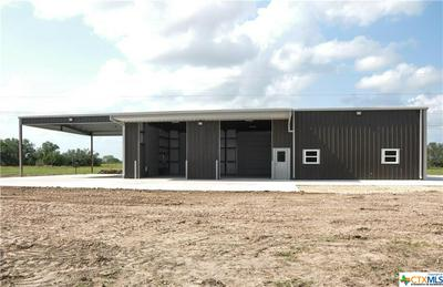 922 SLIPPERY ELM RD, Victoria, TX 77904 - Photo 2