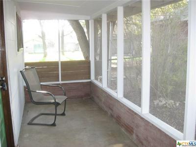 1432B N WALNUT AVE, New Braunfels, TX 78130 - Photo 2