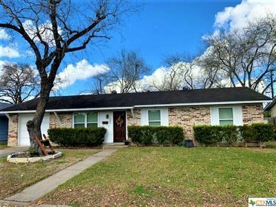 1504 SEGUIN AVE, Victoria, TX 77901 - Photo 1