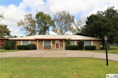 218 E WARD ST, Goliad, TX 77963 - Photo 2