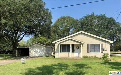614 E DIVISION ST, Edna, TX 77957 - Photo 1