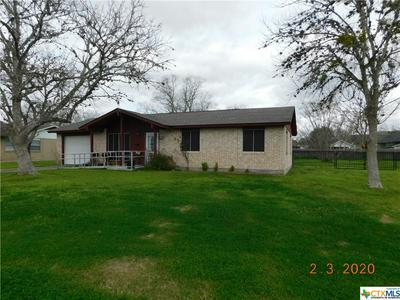 404 W SARAH ST, Cuero, TX 77954 - Photo 1