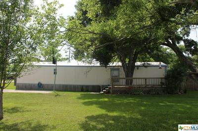 402 W HOUSTON AVE, Seadrift, TX 77983 - Photo 2