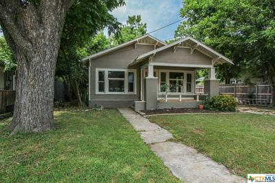 578 S CASTELL AVE, New Braunfels, TX 78130 - Photo 2