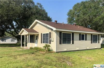 614 E DIVISION ST, Edna, TX 77957 - Photo 2