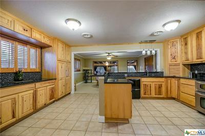 711 E ZIPP RD, New Braunfels, TX 78130 - Photo 2