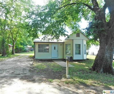 402 LEE ST, Smithville, TX 78957 - Photo 1
