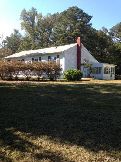 4400 E WILLIAMSBURG RD, SANDSTON, VA 23150 - Photo 1