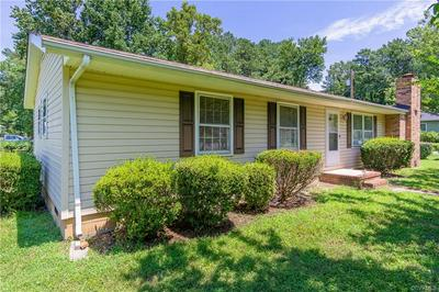 33 FOREST DR, HARTFIELD, VA 23071 - Photo 2