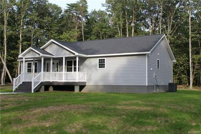 3142 GREYS POINT RD, TOPPING, VA 23169 - Photo 2