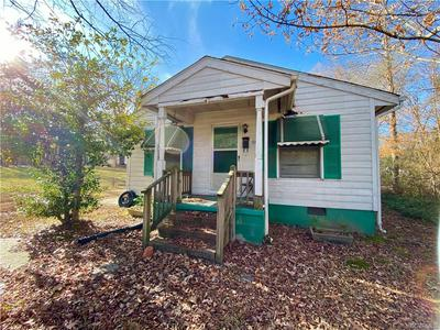 539 N MAIN ST, BLACKSTONE, VA 23824 - Photo 1