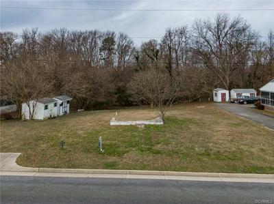 539 MARSH ST, Essex, VA 22560 - Photo 2
