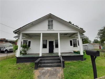 302 N 7TH AVE, Hopewell, VA 23860 - Photo 1