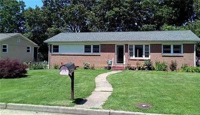 528 SMITHFIELD AVE, Hopewell, VA 23860 - Photo 2