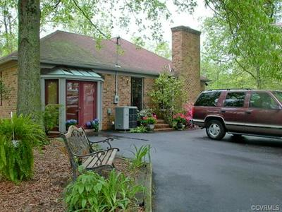 10390 CARRIAGE RD, PROVIDENCE FORGE, VA 23140 - Photo 2