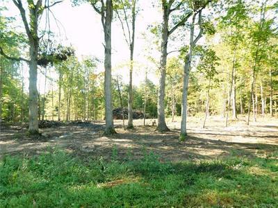 4 FAIRGROUNDS RD, FARMVILLE, VA 23901 - Photo 1