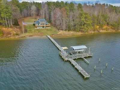 8 RIDGE RD, HARTFIELD, VA 23071 - Photo 2