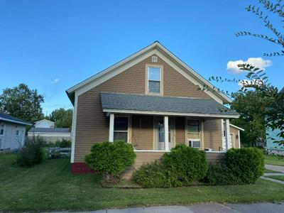 1005 S 5TH AVE, Wausau, WI 54401 - Photo 1