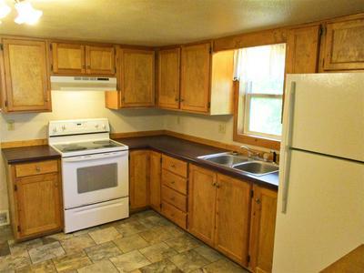 422 MAPLE ST, Medford, WI 54451 - Photo 2