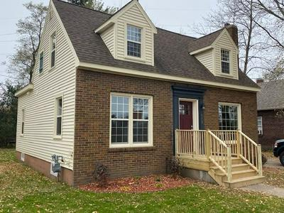 613 FLORAL AVE, Wausau, WI 54403 - Photo 2
