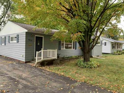 1215 PLUMER ST, Wausau, WI 54403 - Photo 2