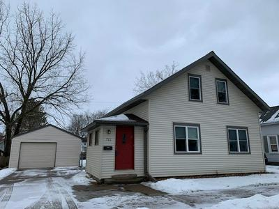 712 LINCOLN AVE, Wausau, WI 54403 - Photo 1