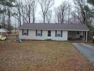 142 HINSON DR, Lexington, TN 38351 - Photo 1