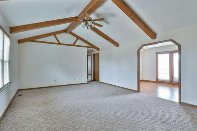 1085 PIKEVIEW ST, DRESDEN, TN 38225 - Photo 2