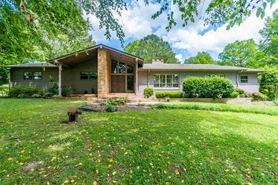 1033 S COLLEGE ST, Trenton, TN 38382 - Photo 1