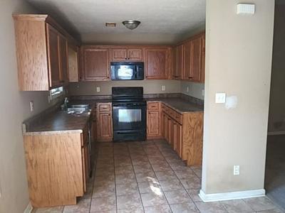8 STAVELY RD, Medina, TN 38355 - Photo 2