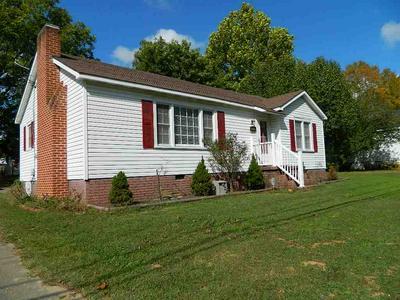 563 NATCHEZ TRACE DR, Lexington, TN 38351 - Photo 1