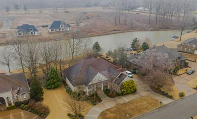 44 EMERALD LAKE DR, Jackson, TN 38305 - Photo 2