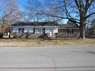 402 N MONROE ST, NEWBERN, TN 38059 - Photo 1