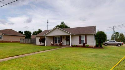 980 SIR LIONEL ST, Dyersburg, TN 38024 - Photo 1