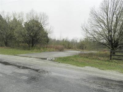 56 LAKE HAYES ESTATES RD, Trenton, TN 38382 - Photo 1