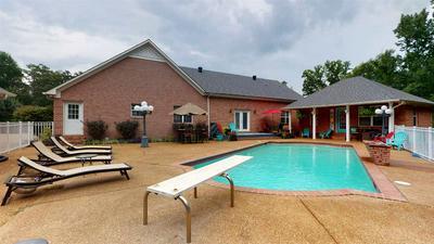 210 HIDDEN HILLS CIR, Lexington, TN 38351 - Photo 2