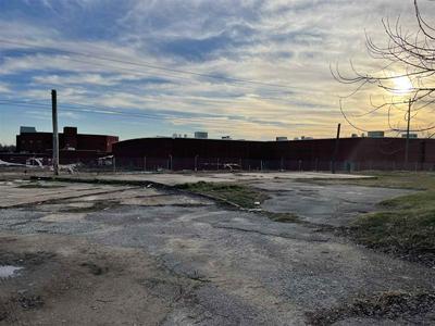 421 S HIGHLAND AVE, Jackson, TN 38301 - Photo 1