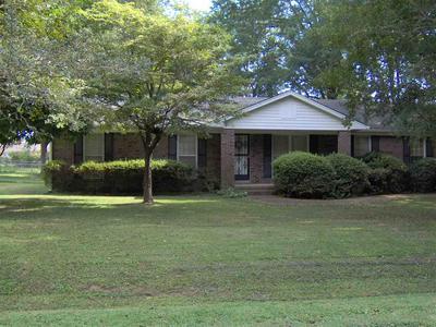 124 CAROL ANN DR, Jackson, TN 38301 - Photo 2