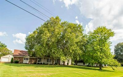 270 STONEHAVEN CV, Jackson, TN 38305 - Photo 2