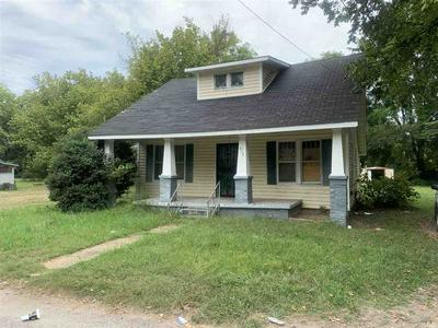 417 E 1ST ST, TRENTON, TN 38382 - Photo 1