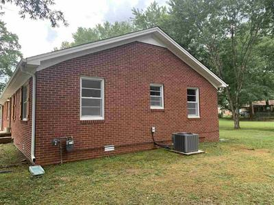621 GALBRAITH AVE, Henderson, TN 38340 - Photo 2