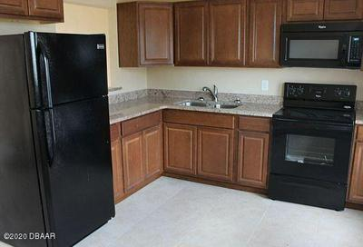 717 N GRANDVIEW AVE APT 5, Daytona Beach, FL 32118 - Photo 2
