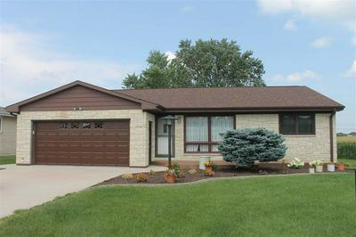1712 2ND AVE SE, Dyersville, IA 52040 - Photo 1