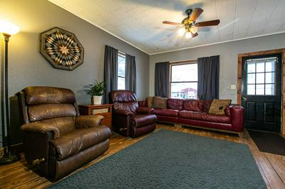 149 W HOWARD ST, Manchester, IA 52057 - Photo 2