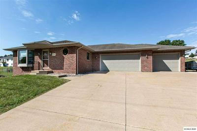 9046 N BADGER RD, East Dubuque, IL 61025 - Photo 2
