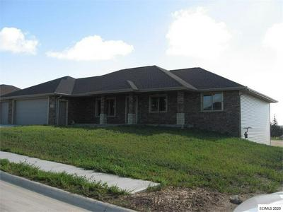 1089 17TH ST SE, Dyersville, IA 52040 - Photo 2