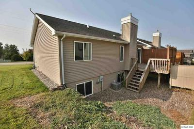 605 TANZANITE DR, Dubuque, IA 52001 - Photo 2
